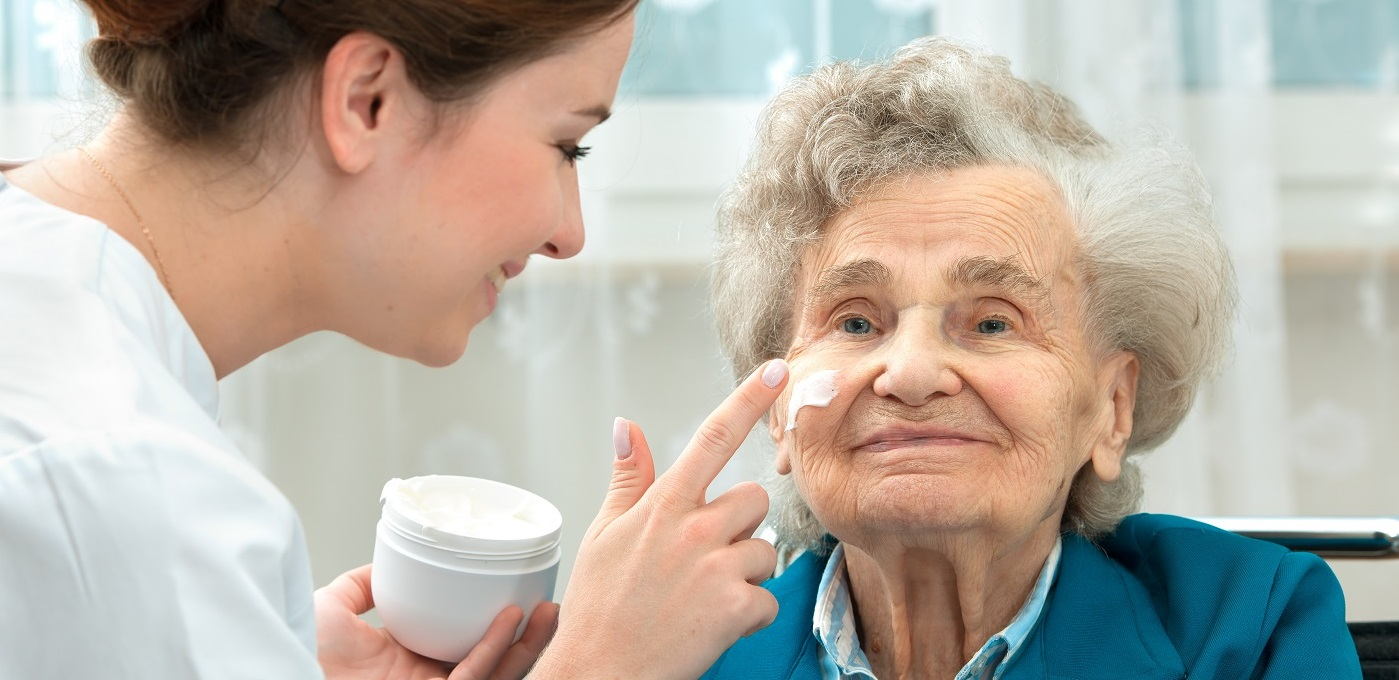 Helping an elderly lady with learning difficulties to look beautiful